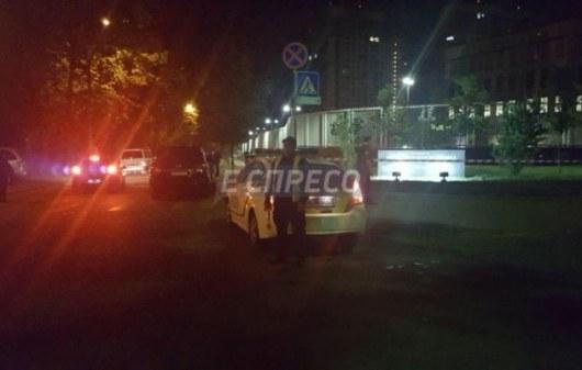 Натерритории посольства США вКиеве произошел взрыв